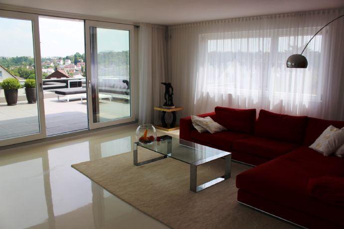 Moderne, lichtdurchflutete 5-Zimmer-Maisonette-Wohnung in bester Lage von Stuttgart-Dachswald